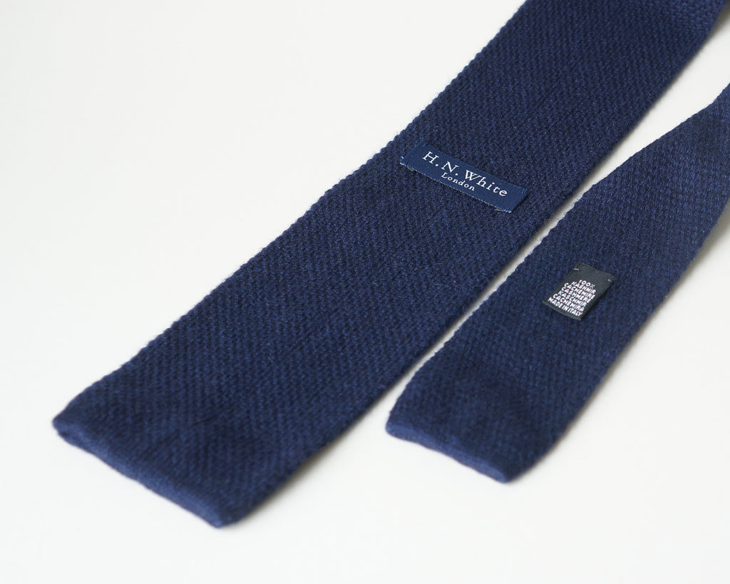 Navy blue cashmere 8cm knitted tie