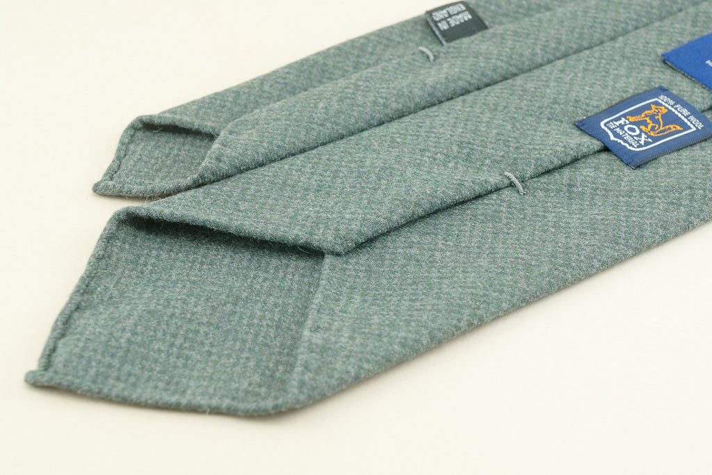 Green & grey puppytooth Fox Flannel tie