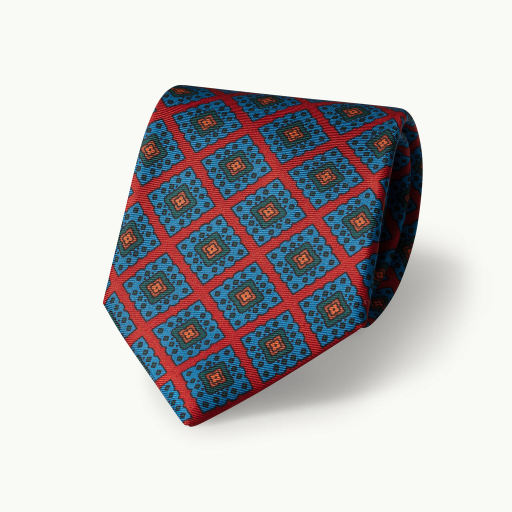Red large diamond madder tie