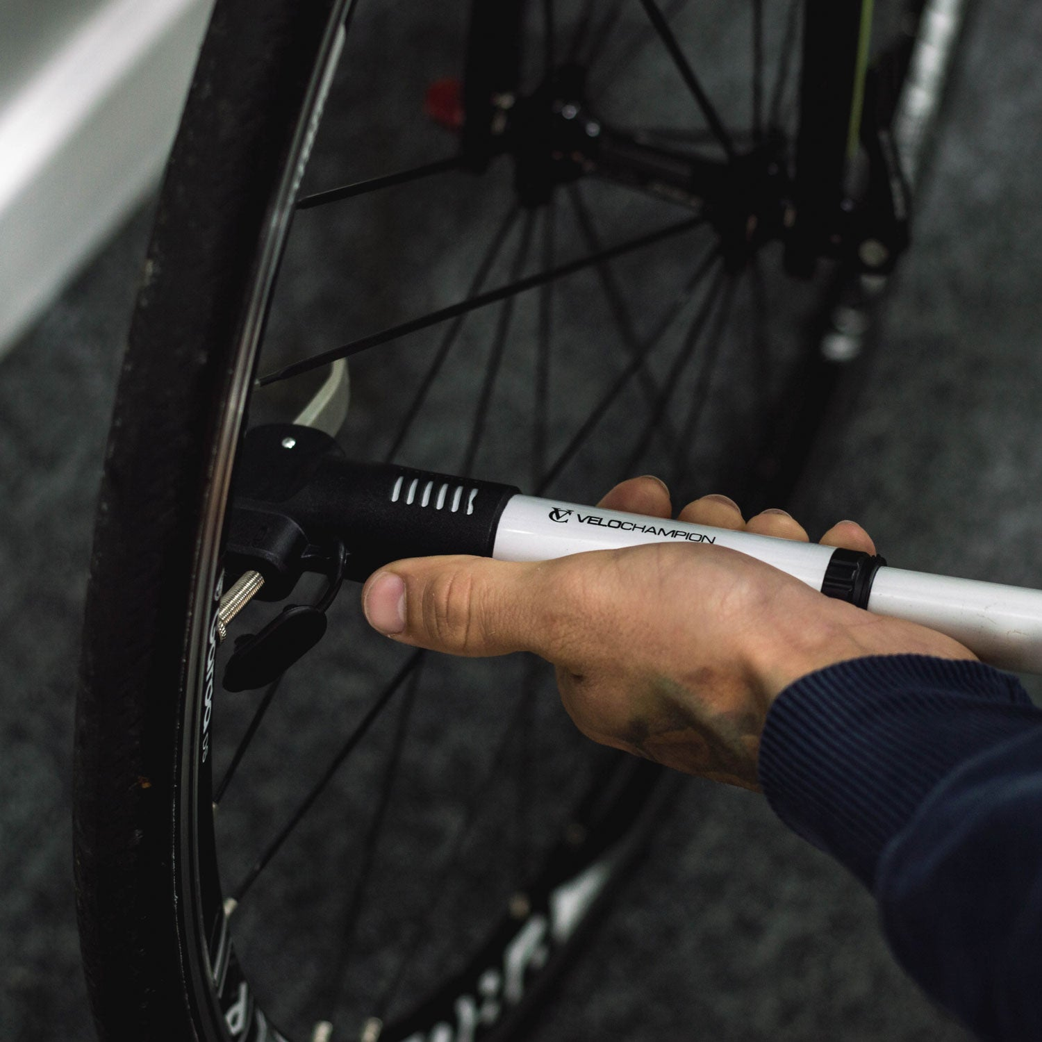 VeloChampion Pro Airblast Double Shot Alloy Mini Bike Pump - Velochampion