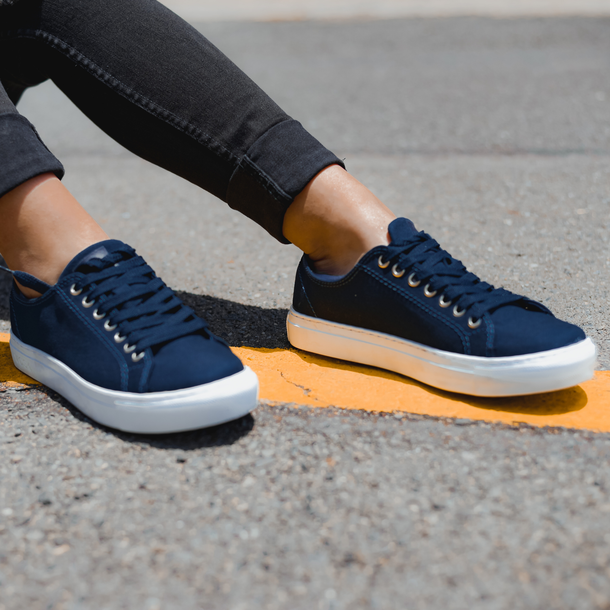 Women's Authentic Low Top - Navy