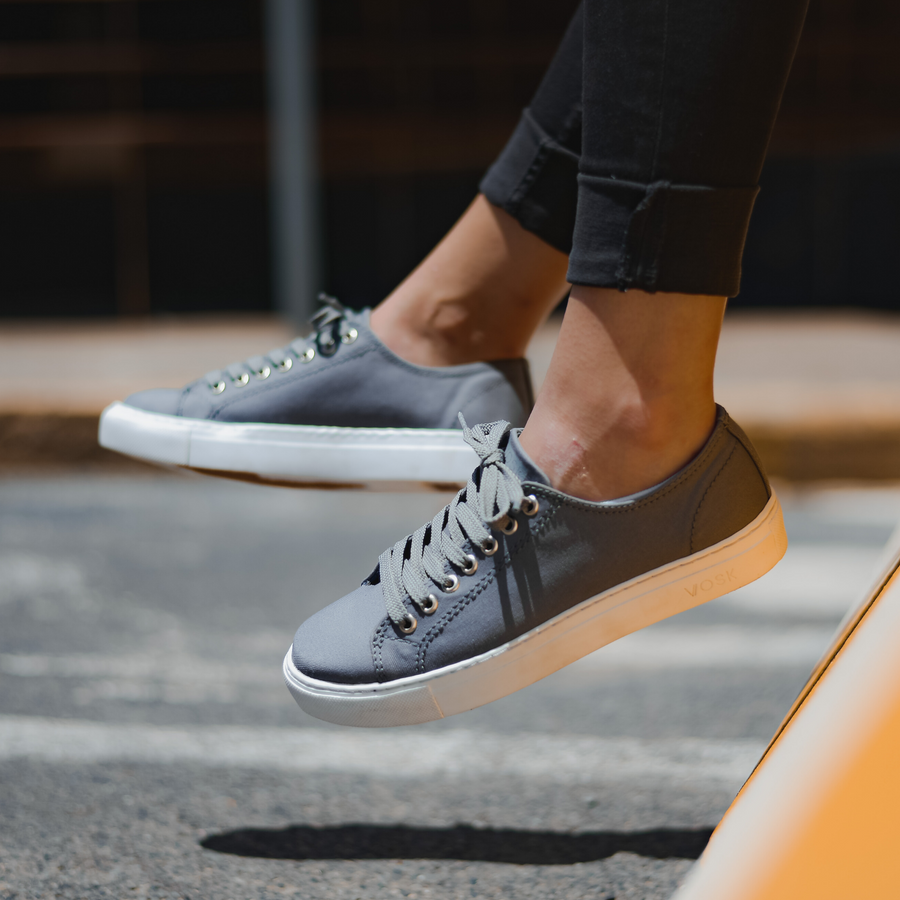 Men's Authentic Low Top - Grey