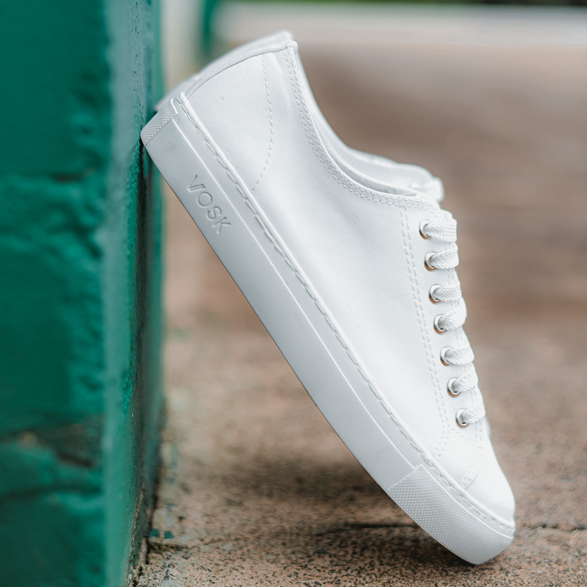 Men's Authentic Low Top - White