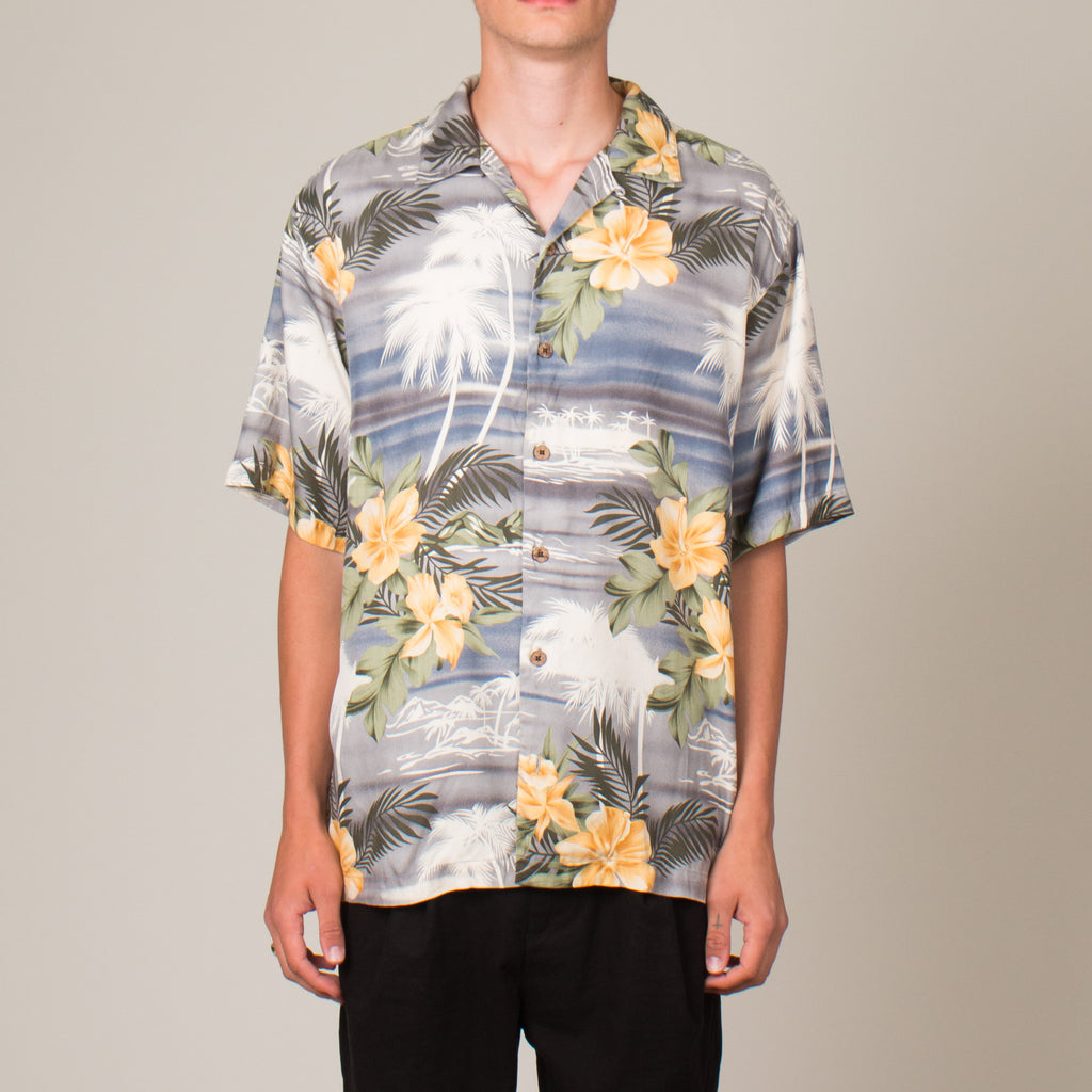 Vintage Silk Vacation Shirt (M)