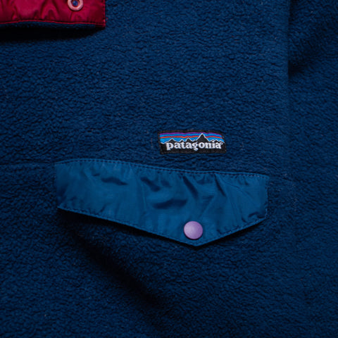 The Vintage Tommy Hilfiger Big Pocket Spell Out (M/L)