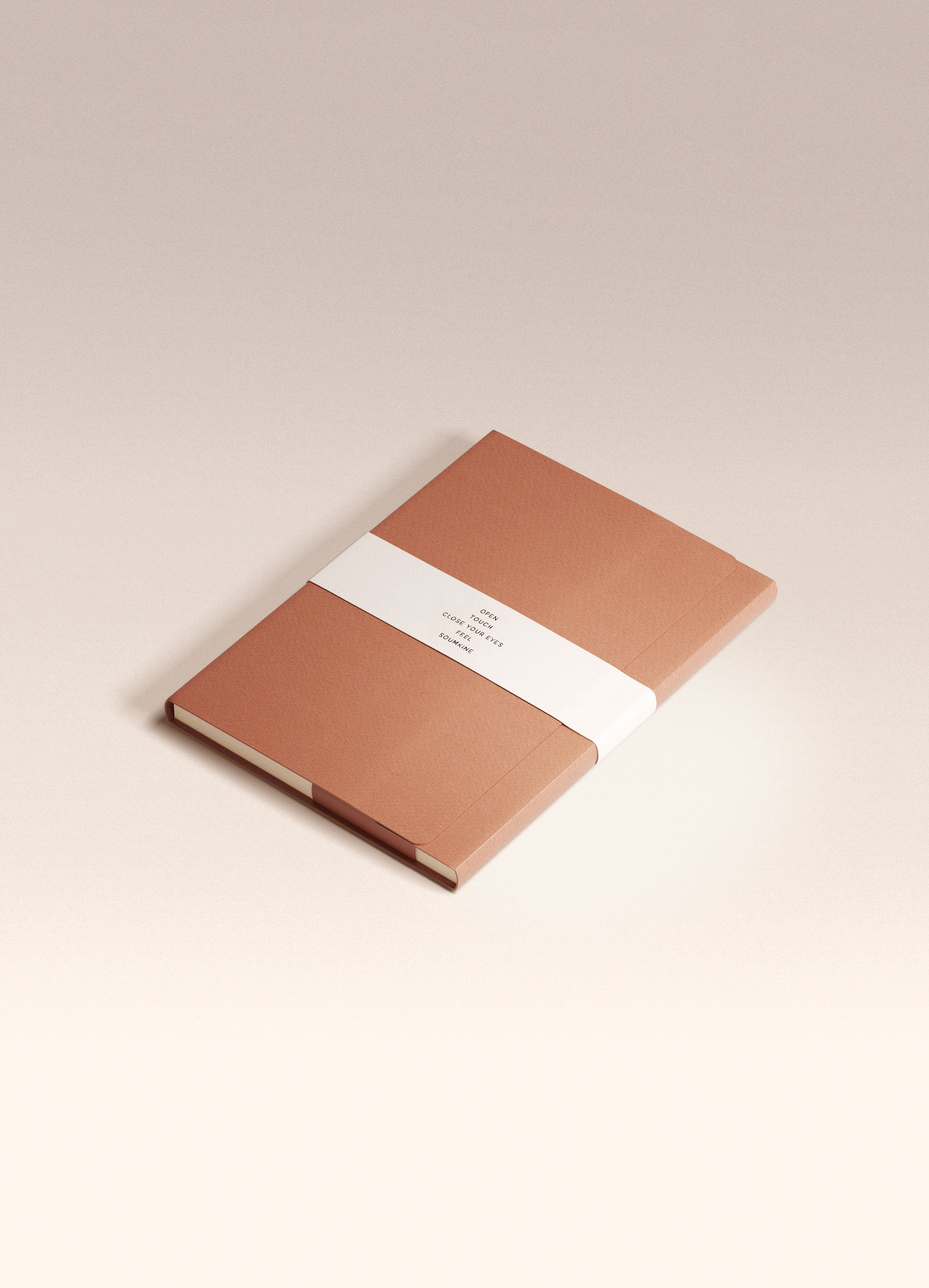 N.404 (PLAIN) Notebook. A5 size