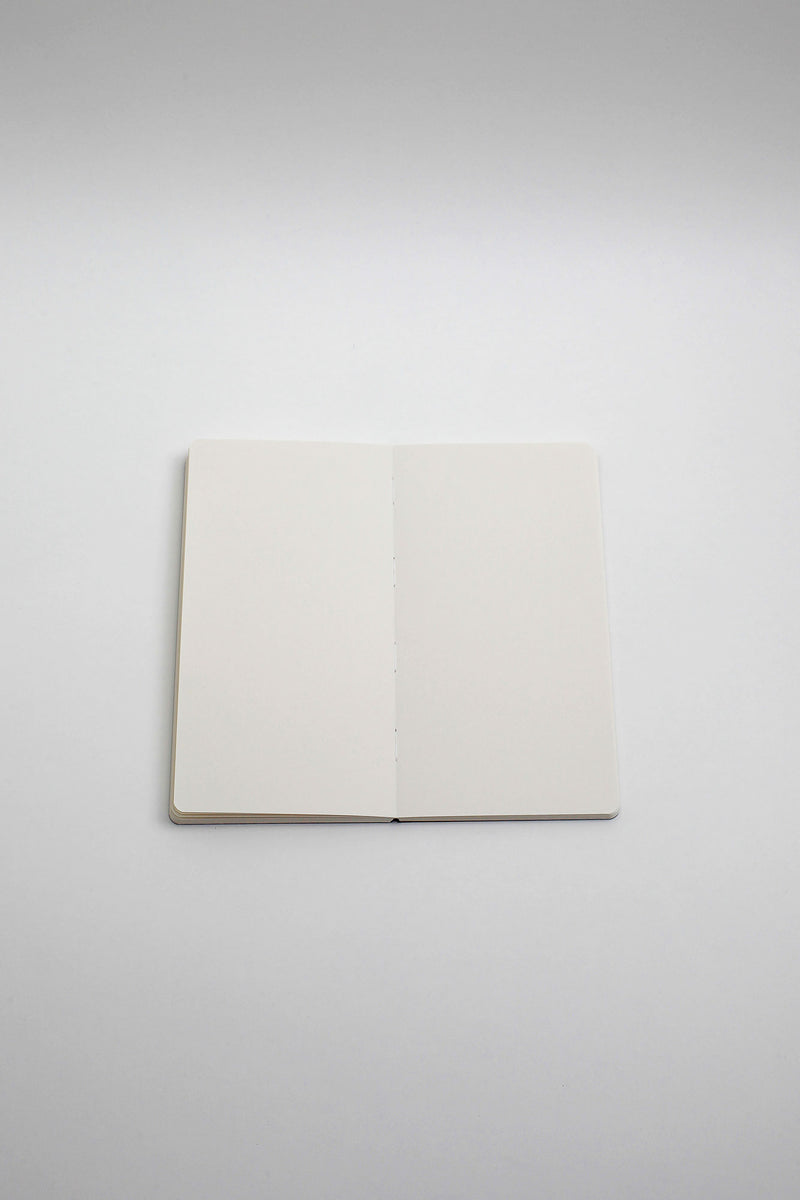 Sketchbook. SLIM / Traveler's notebook size. Wasabi Color.