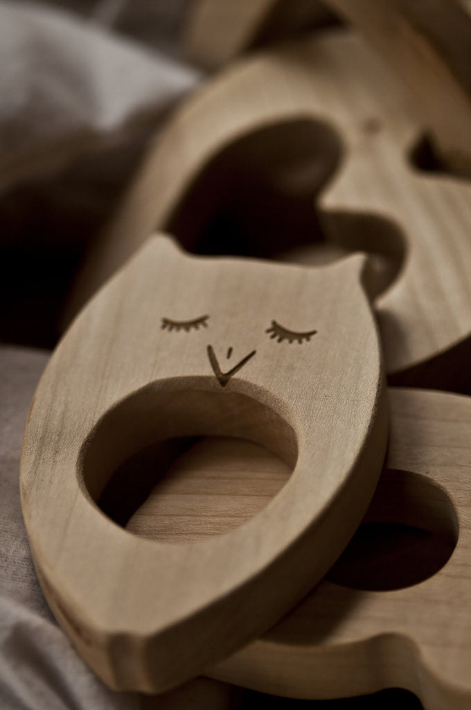 Teether Owl Wooden Story