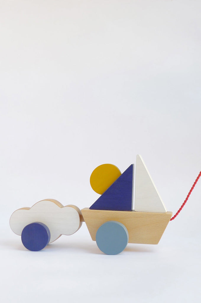 The Boat & Cloud pull toy