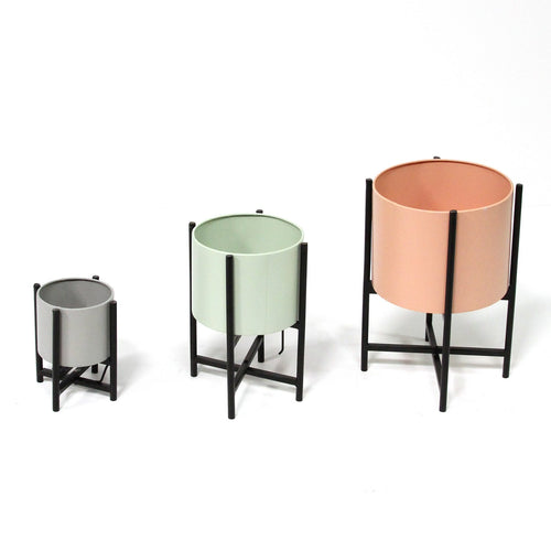 Stratton Home Decor Set of 3 Tricolor Modern Plant Stands