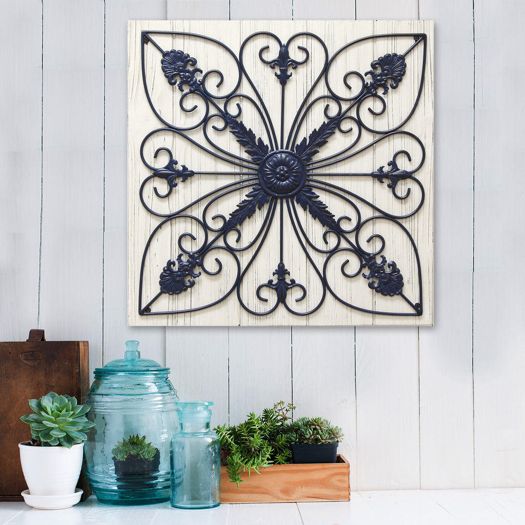 Distressed Home Decor: Distressed Rustic Medallion