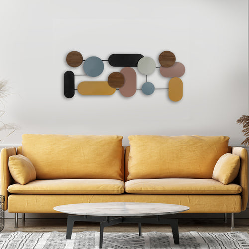 Stratton Home Decor Mid Century Modern Centerpiece Wall Decor