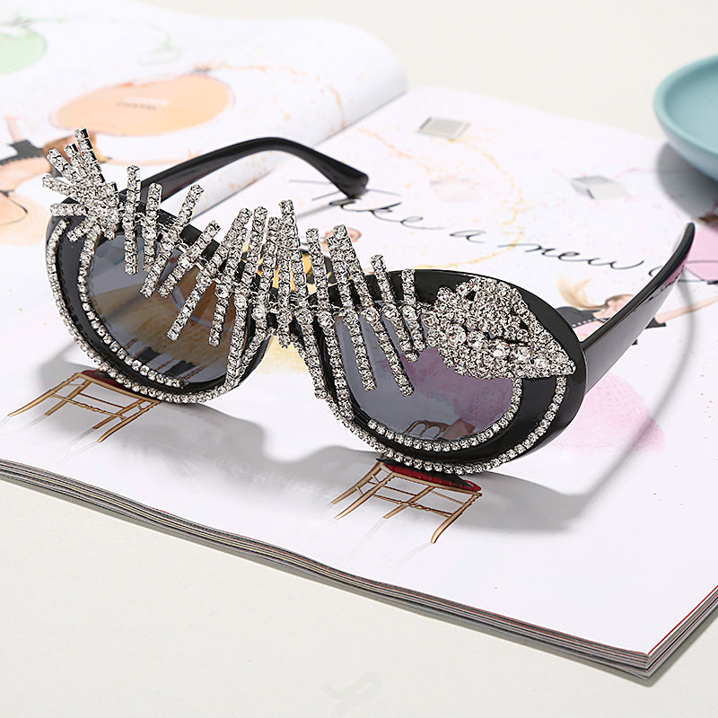 Women's Sunglasses Gradient Polycarbonate Diamond Vintage Oversize Punk Crystal Oval GVB9750 Ships From The USA