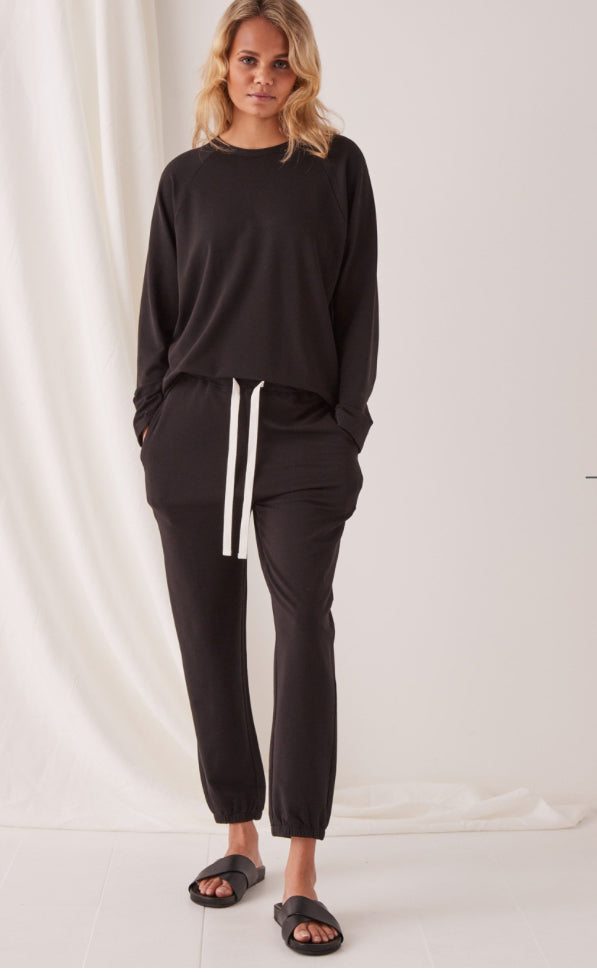 Kin fleece track pants, assembly label, Mika and max