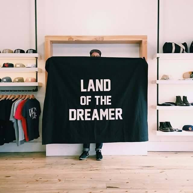 Land of the Dreamer Flag - Echtra Outfitters  - 1