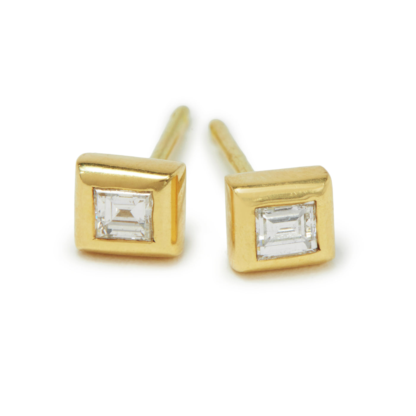 square baguette diamond essential studs