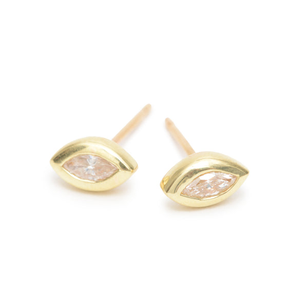 chamagne marquise essential studs