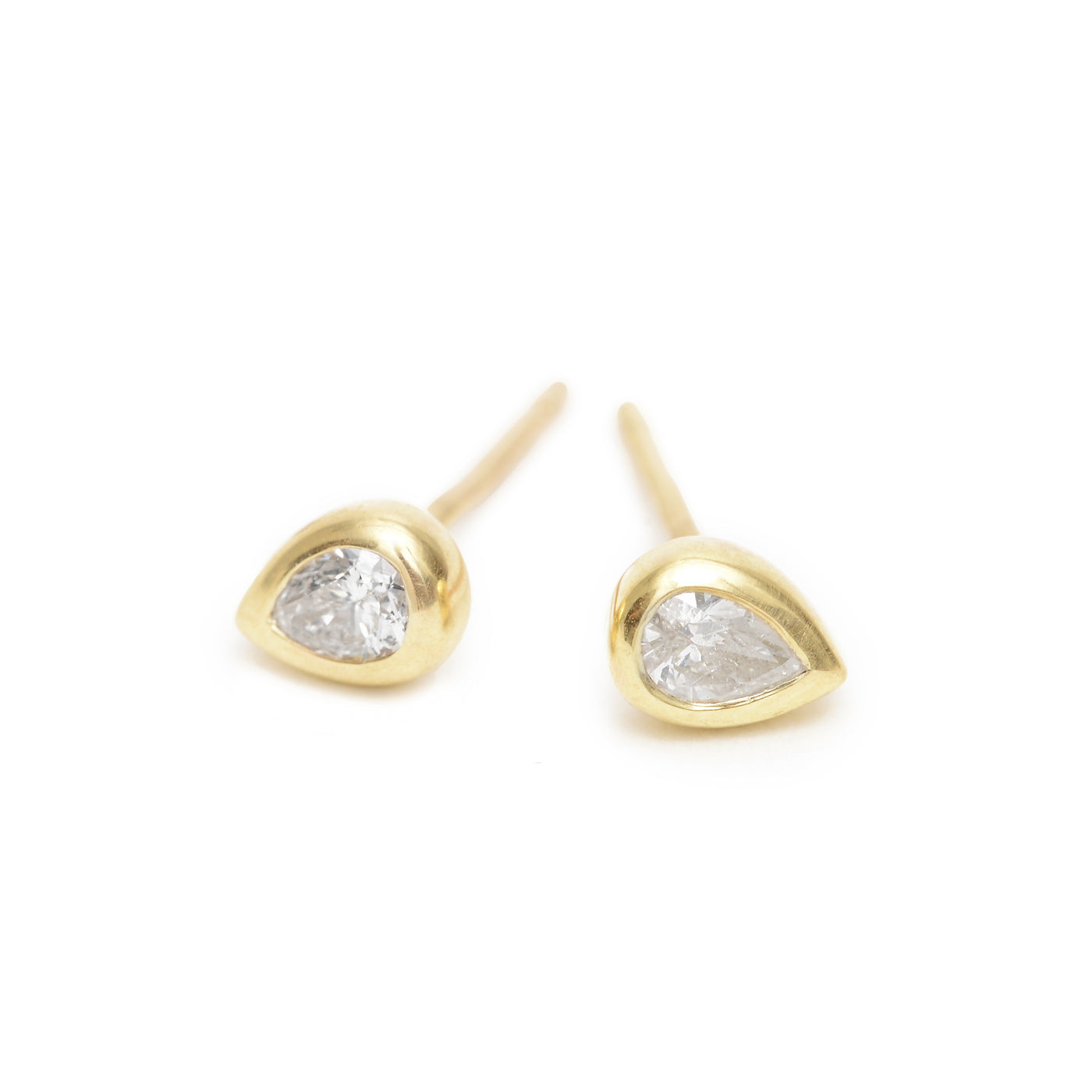 white pear essential studs