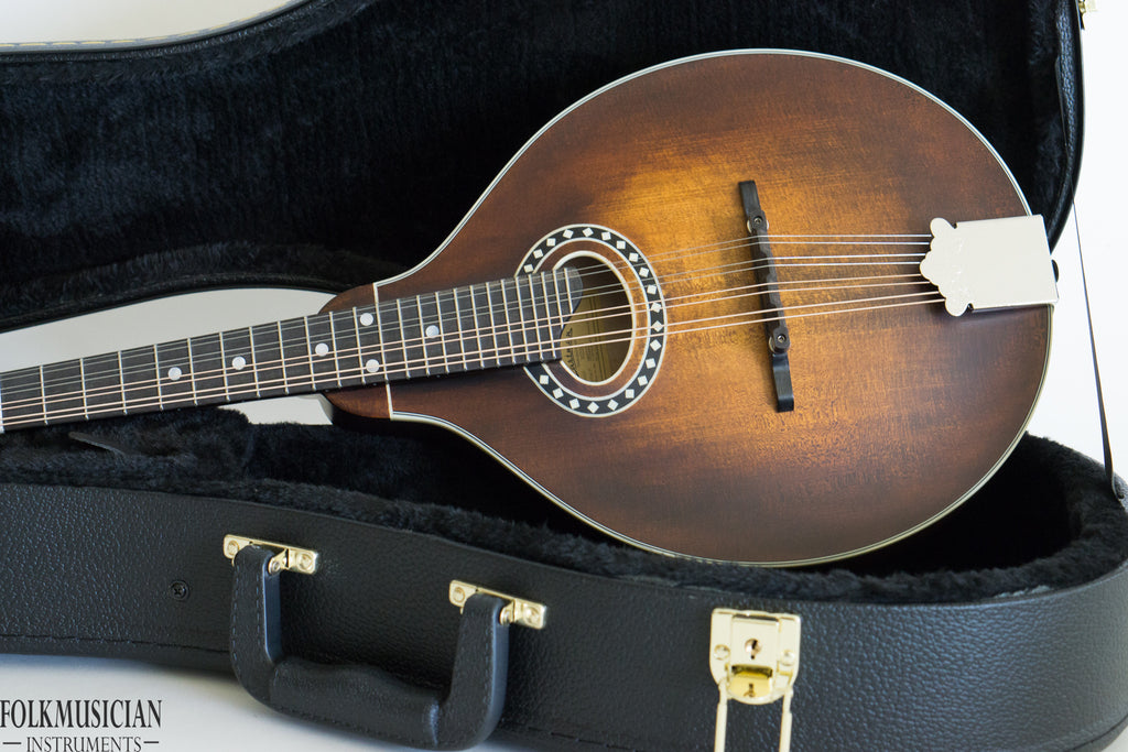 Eastman MD304 Oval Hole Mandolin