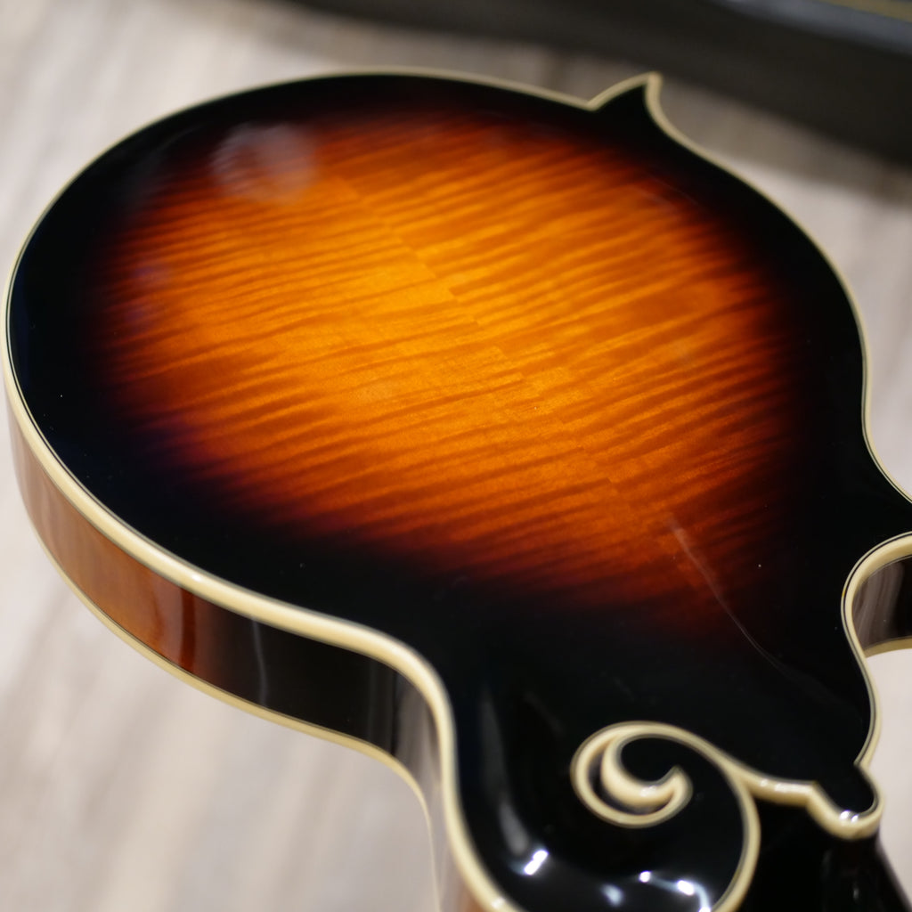 The Loar Mandolin LM-700