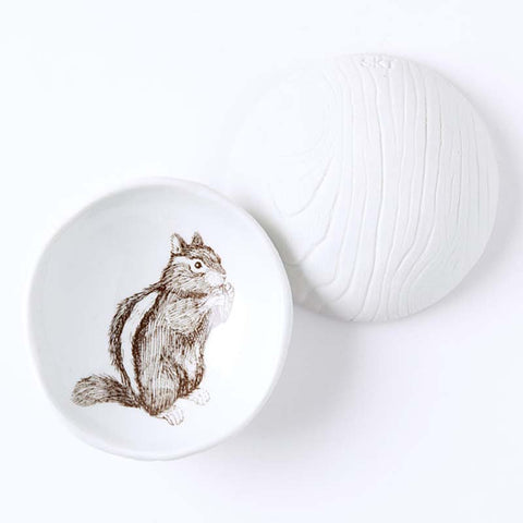 Woodgrain Dish chipmunk