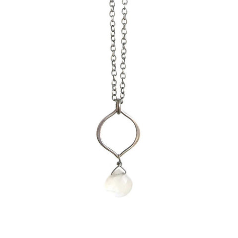Tamara Gemstone Necklace: Silver & Rainbow Moonstone