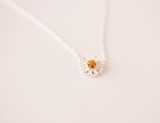 925 sterling silver daisy necklace Women's silver daisy necklace for gift