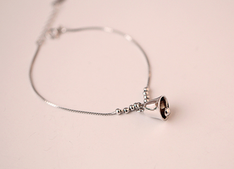 925 sterling silver cute little bell bracelet Women's silver little bell bracelet for gift.
