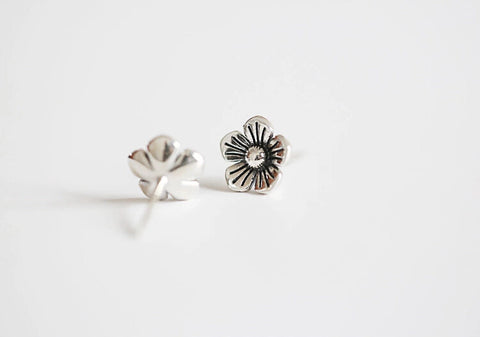 Thai silver flower earrings,simple silver earrings,a dainty gift