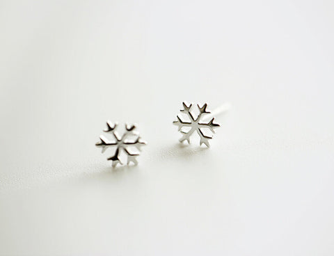 925 Sterling Silver Earrings (fashion exquisite snowflakes, 925 silver earrings, earrings)