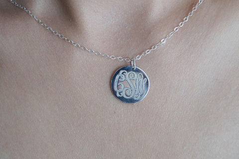 Custom silver disc monogram necklace,0.8'' engraved monogram necklace ,3 initials monogram necklace,925 sterling silver monogram necklace