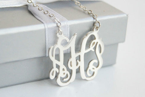 Personalized 1.5'' inch vine monogram necklace,Custom 925 sterling silver monogram necklace,necklace with initials,necklace with name