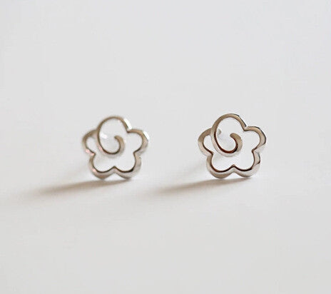 925 sterling silver earrings, pure and fresh and lovely flowers in sterling silver earrings, hollow out flowers stud earrings