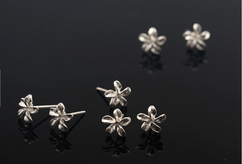 925 Sterling Silver five flap tiny flower earrings, fresh tiny flower earrings,A perfect gift