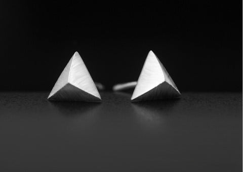 925 sterling silver stereoscopic triangle earrings,fashion personalized triangle earrings,a perfect gift