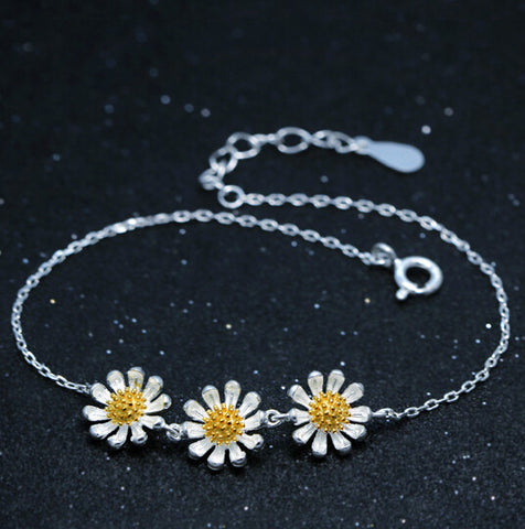 925 sterling silver three tiny daisy bracelet,fresh cute daisy bracelet,a perfect gift