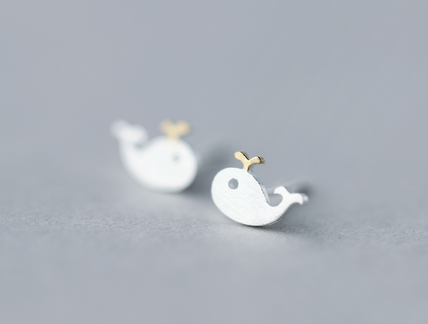 Lovely small whale 925 sterling silver earrings,a perfect gift