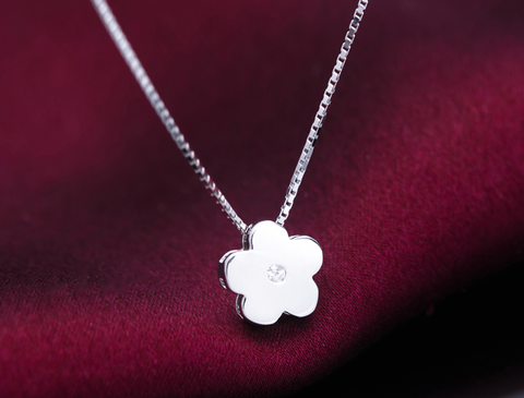 Cute fashion small flower 925 sterling silver necklace, a perfect gift !