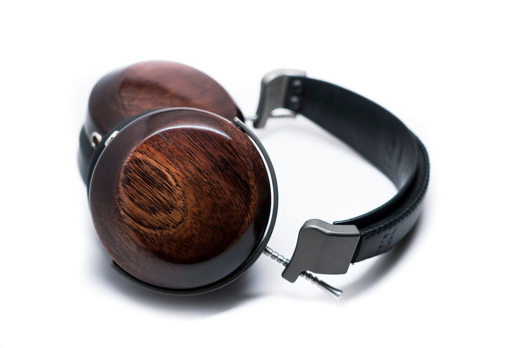 ZMF Verite Closed - Deskhero.ca
