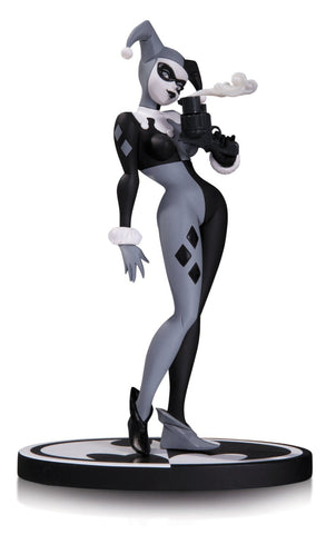 DC Collectibles Batman Black & White: Harley Quinn Statue by Bruce Timm