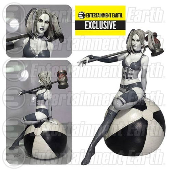EE Exclusive Fantasy Figure Gallery DC Comics Collection Black and White Harley Quinn Resin Statue