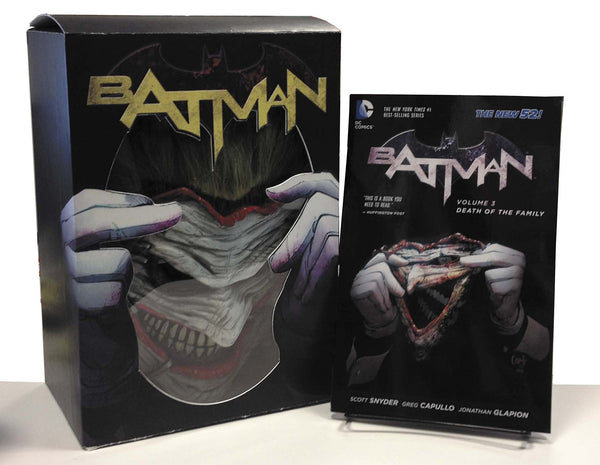 BATMAN: DEATH OF THE FAMILY BOOK + JOKER MASK SET