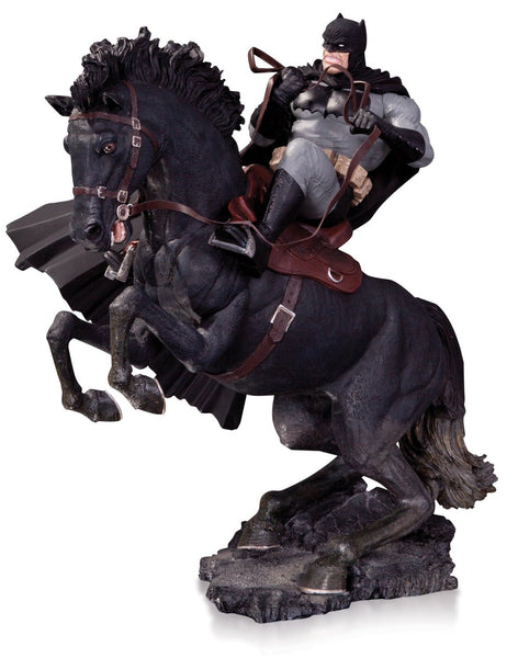 DC Collectibles The Dark Knight Returns: A Call to Arms Statue (Year of The Horse Edition)