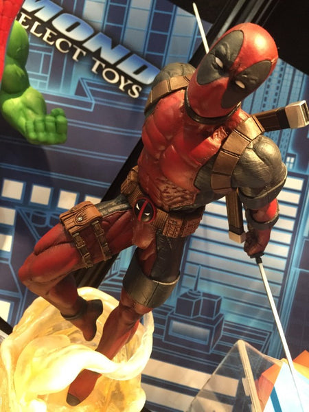 Marvel Select Diamond Deadpool Figure (Statue)