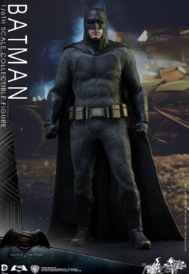 Hot Toys Batman (Batman vs Superman) 1/6th  figure