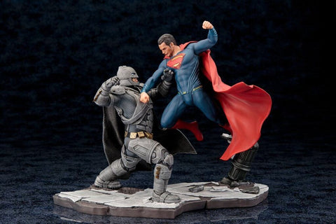 Batman V Superman: Dawn Of Justice Batman And Superman 1/10 Artfx+ Statue Set of 2