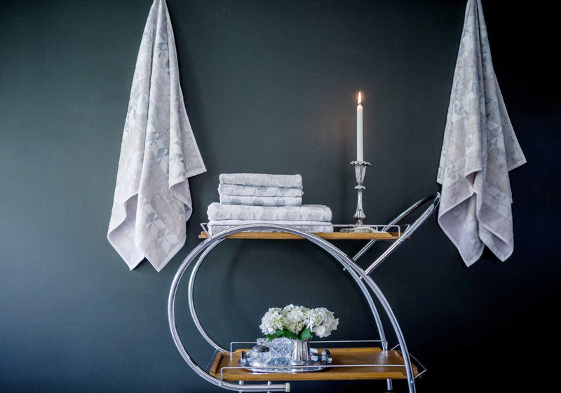 Aura Bath Towel Bathroom Makeover Set