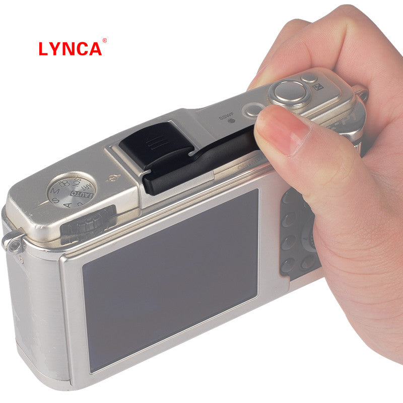 Lynca Universal Plastic Hot Shoe Thumbs Up Grip for Fujifilm, Pentax, Sony, Samsung