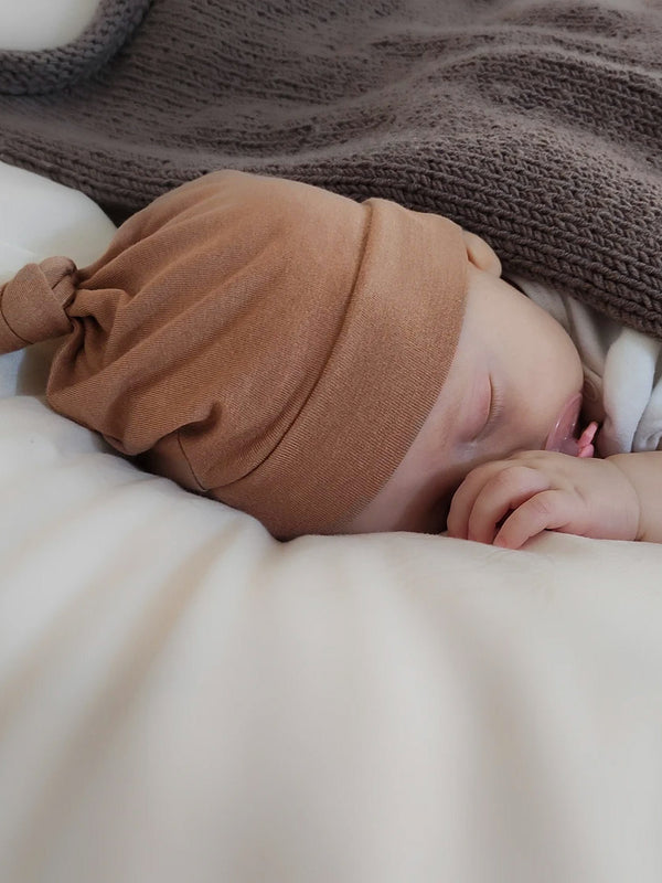 Newborn hue fra Minu - Light brown