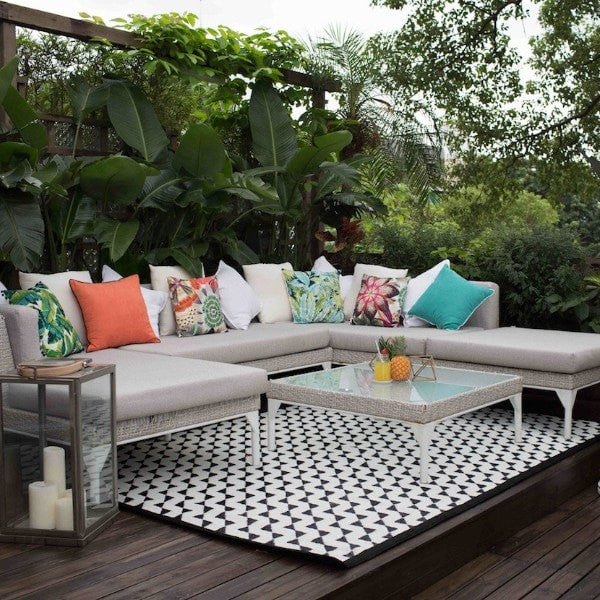 ELEGANT GREY OUTDOOR LOUNGE SET   IDecorate